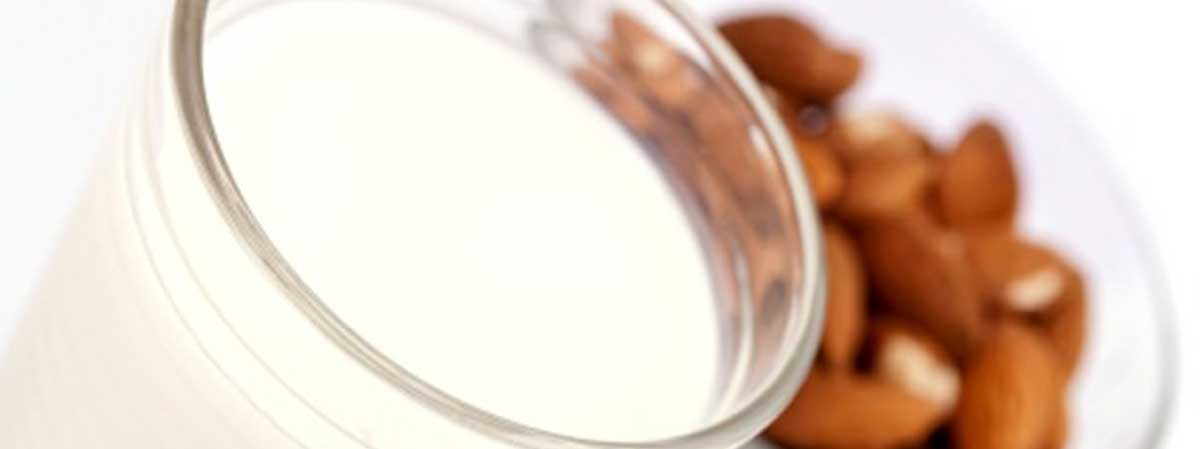 Recipes_Almond_Milk_00b